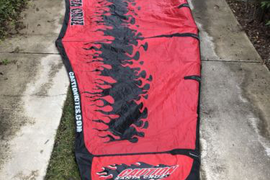 Caution Santa Cruz brand - kitesurfing 10 kite used - Great Condition