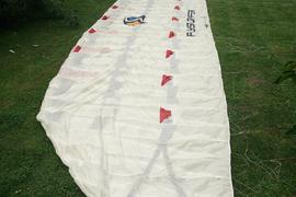 Flysurfer Speed II 19 qm Silberpfeil weiss mit roten Einlässen