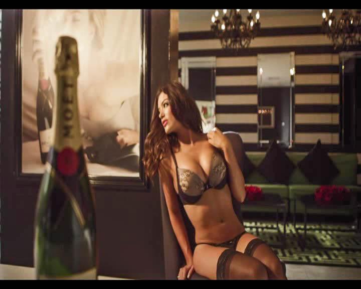 Все девушки любят шампанское