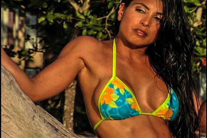 Загорелая латиноамериканочка