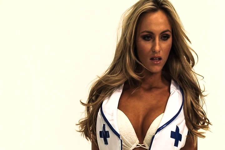 Восхитительной красоты медсестра