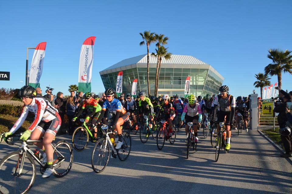 Gran Fondo Citta di Porto Sant'Elpidio, grande partenza con oltre 600 iscritti