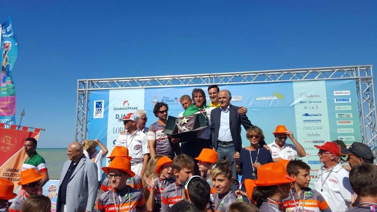 Meeting Nazionale Giovanissimi 2017 Presidente Di Rocco con i bambini