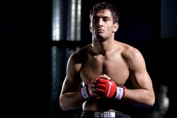 Mousasi vs Kyle allo Strikeforce del 9 Aprile. 1