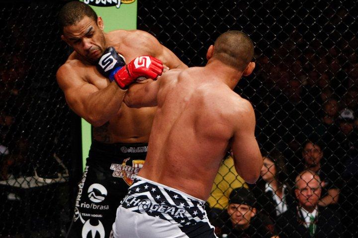 Strikeforce: Dan Henderson vs Rafael Cavalcante - foto & highlight 1