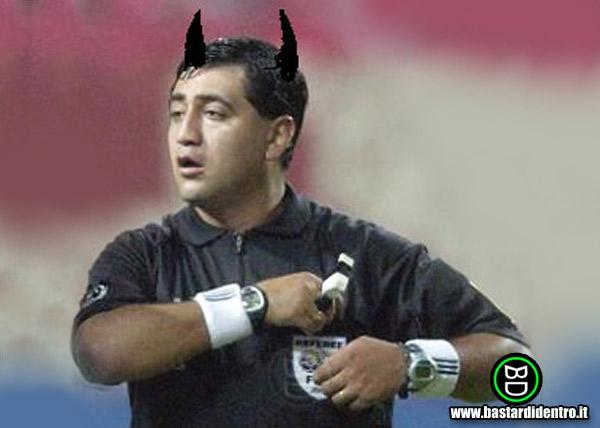 Altro Arbitro di MMA PESSIMO 1