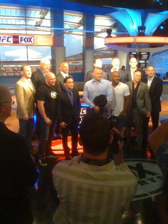 UFC firma con la FOX 1