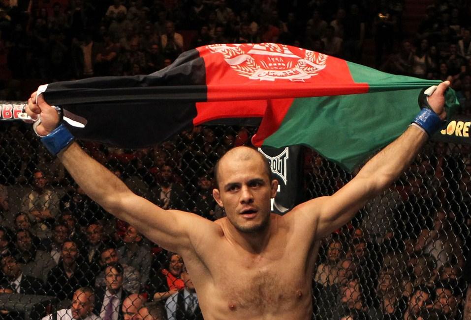 UFC 149: Siyar Bahadurzadaha sostituisce Akiyama contro Thiago Alves 1