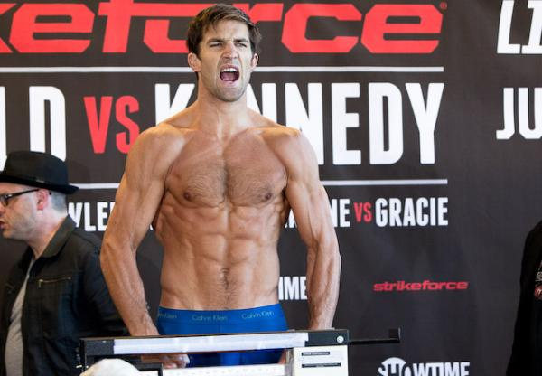 Rockhold attacca Vitor  1