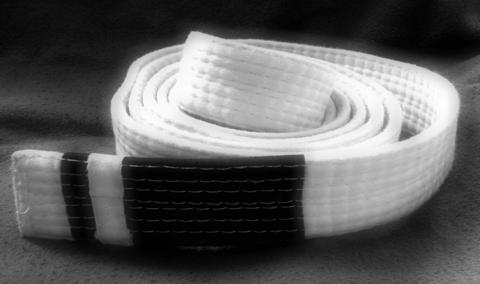 10-trucchi-per-cinture-bianche