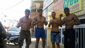 Manolo Zecchini nel campus brasiliano del 2014 insieme a Luca Puggioni, Anderson Da Silva e Ulisses Caetano partecipante al TUF UFC Brasile.