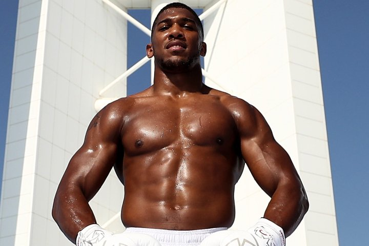 ANTHONY JOSHUA vuole NGANNOU E JONES IN MMA 1