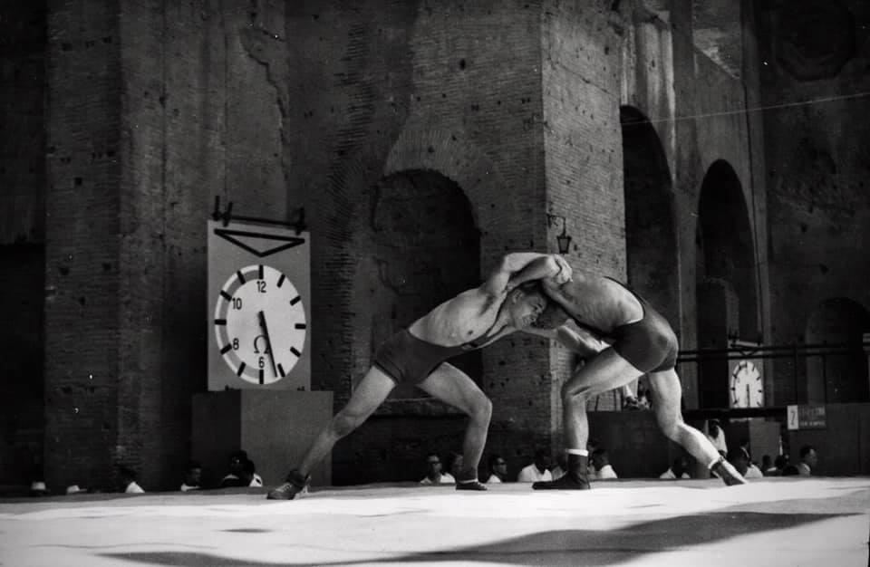 Olimpiadi Roma 1960: La lotta in uno scenario mozzafiato. 1