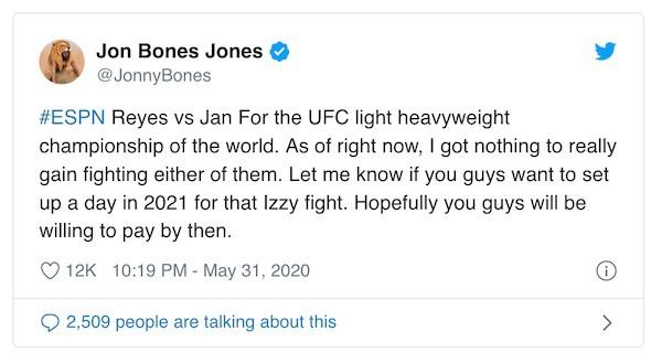Jon Jones lascia vacante il titolo 4