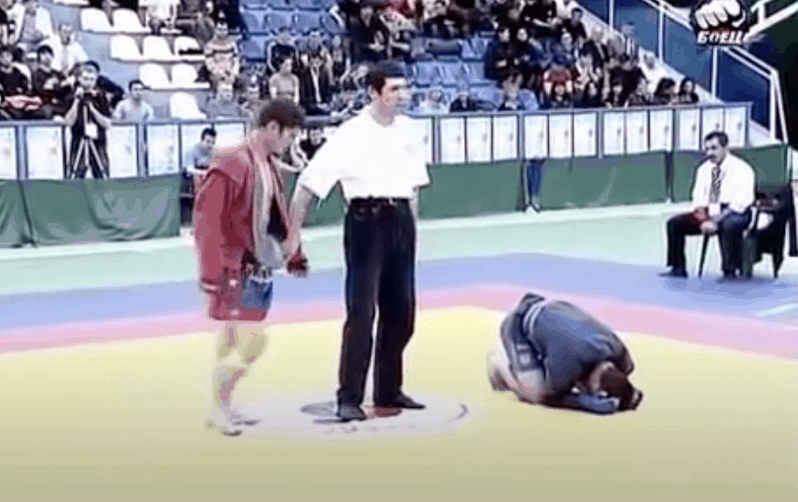 Video: l'unica sconfitta di Khabib Nurmagomedov (che scoppia in lacrime!) 1