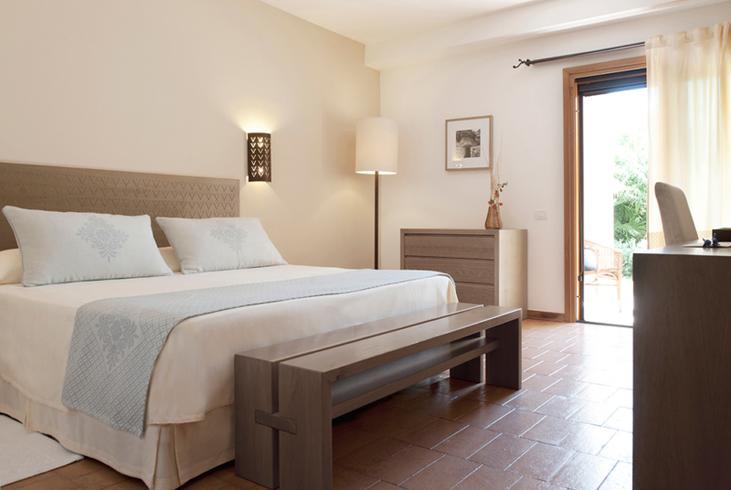 hotel aquadulci sardinien. Black Bedroom Furniture Sets. Home Design Ideas