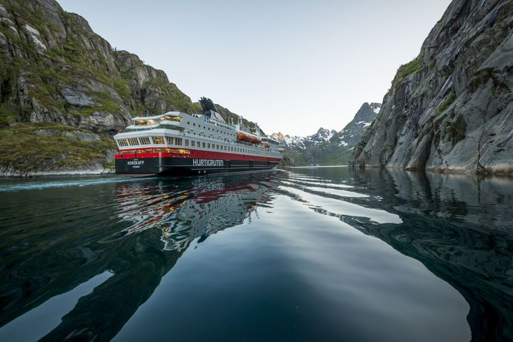 https://s3.eu-central-1.amazonaws.com/gj-test/web/uploads/images/thumbs/0/csv/7a350838/Hurtigruten Nordkapp© T I Bergsmo.jpg