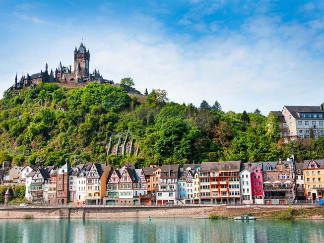 https://s3.eu-central-1.amazonaws.com/gj-test/web/uploads/images/thumbs/0/csv/a6ca4e83/d_moselromantik-cochem.jpg