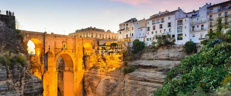 https://s3.eu-central-1.amazonaws.com/gj-test/web/uploads/images/thumbs/1/andalusien-ronda.jpg