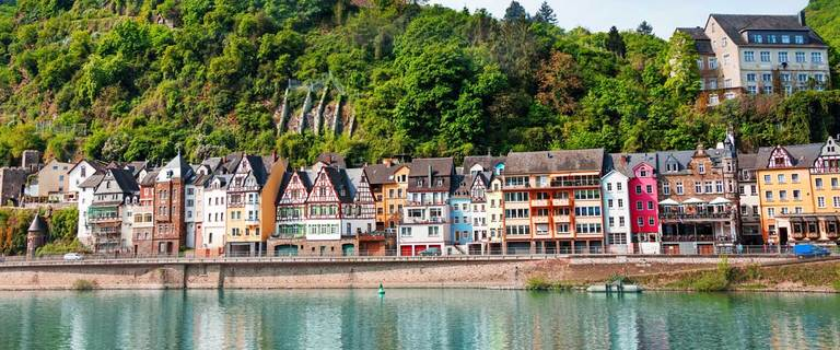 https://s3.eu-central-1.amazonaws.com/gj-test/web/uploads/images/thumbs/1/cochem.jpg