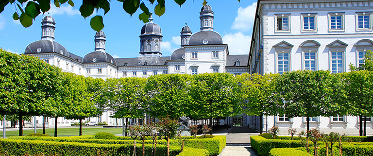 https://s3.eu-central-1.amazonaws.com/gj-test/web/uploads/images/thumbs/1/csv/00301cac/Schloss Bensberg.jpg