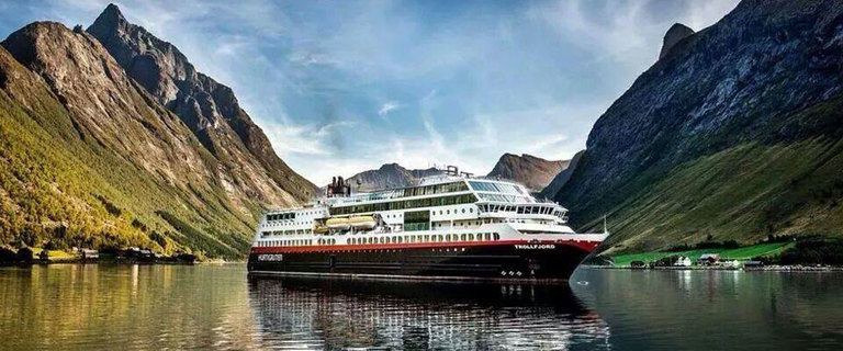 https://s3.eu-central-1.amazonaws.com/gj-test/web/uploads/images/thumbs/1/norwegen-hurtigruten.jpg
