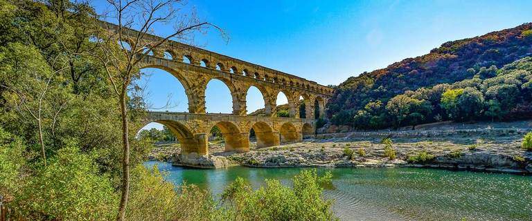 https://s3.eu-central-1.amazonaws.com/gj-test/web/uploads/images/thumbs/1/provence_pontdugard.jpg