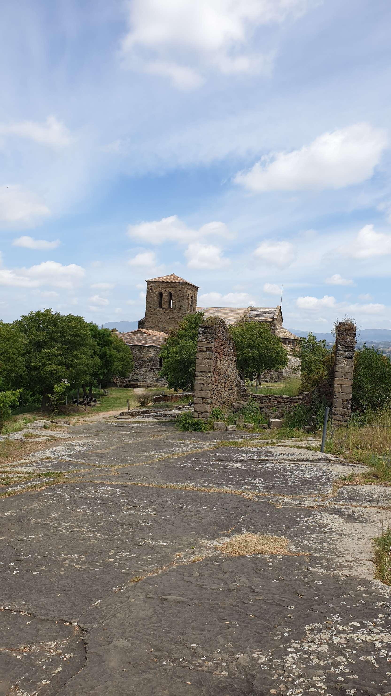Monestir de Sant Pere de Casserres