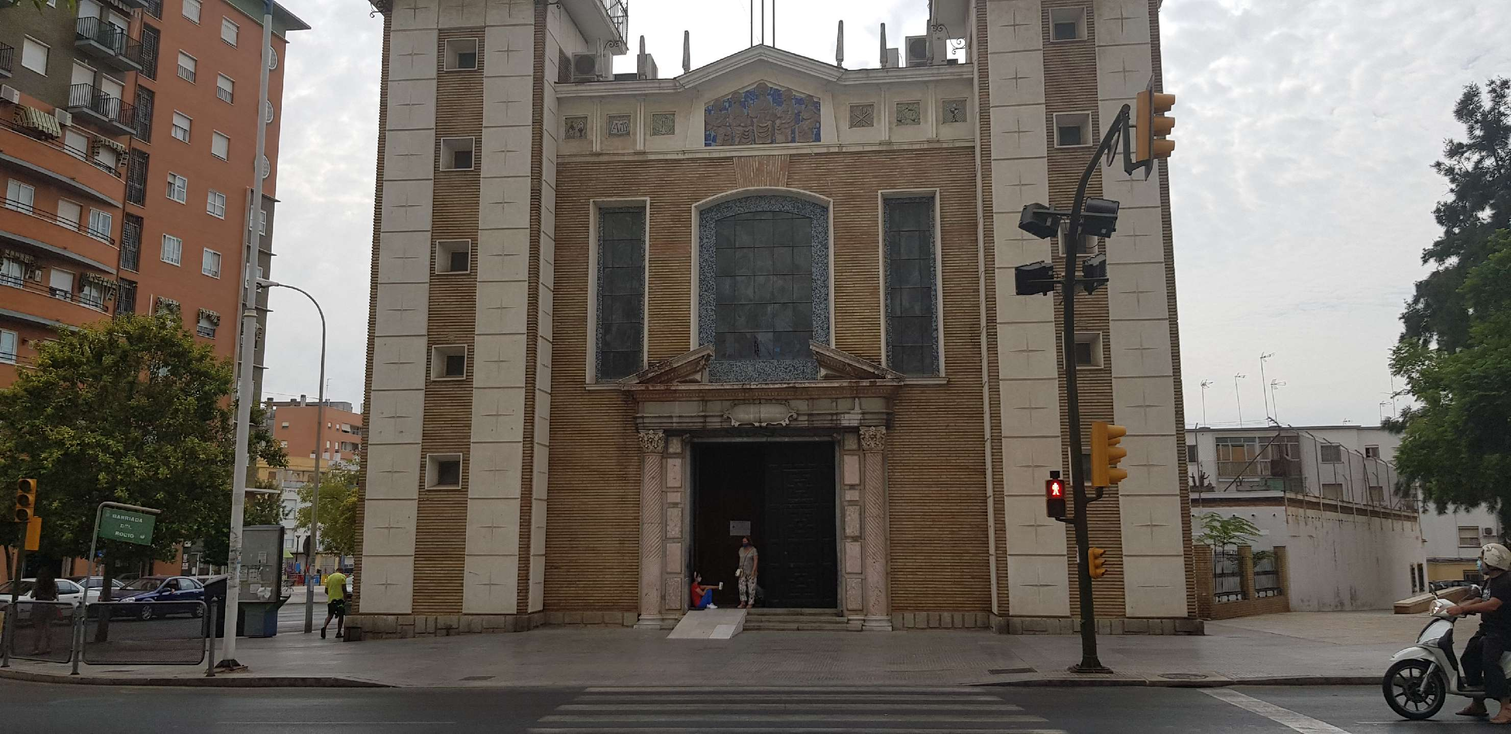 iglesia de la virgenrocio