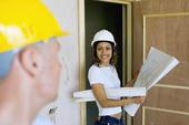 Kobieta inżynier w branży budowlanej