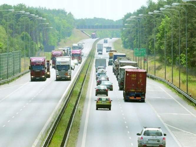 Szanse i zagrożenia dla polskiej branży logistycznej