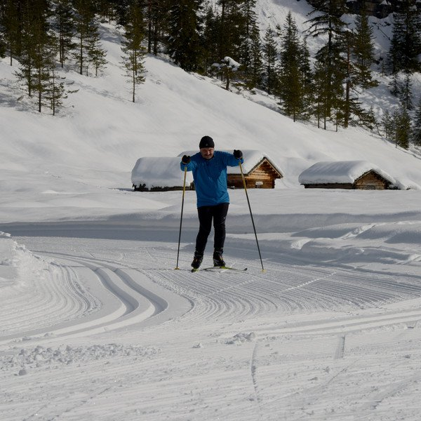 Activities Cross-country skiing through Nature Parks – Pederü