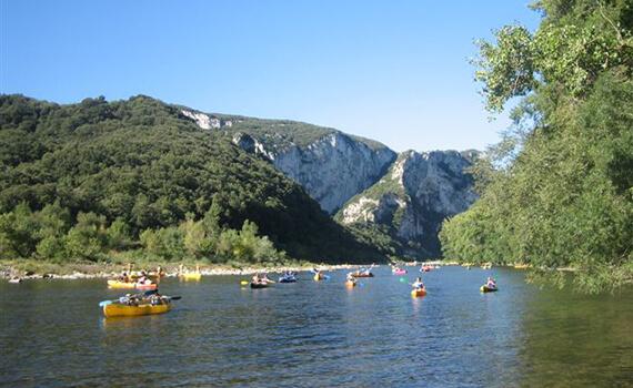 Descente en canoë au départ de sampzon  - 12 km