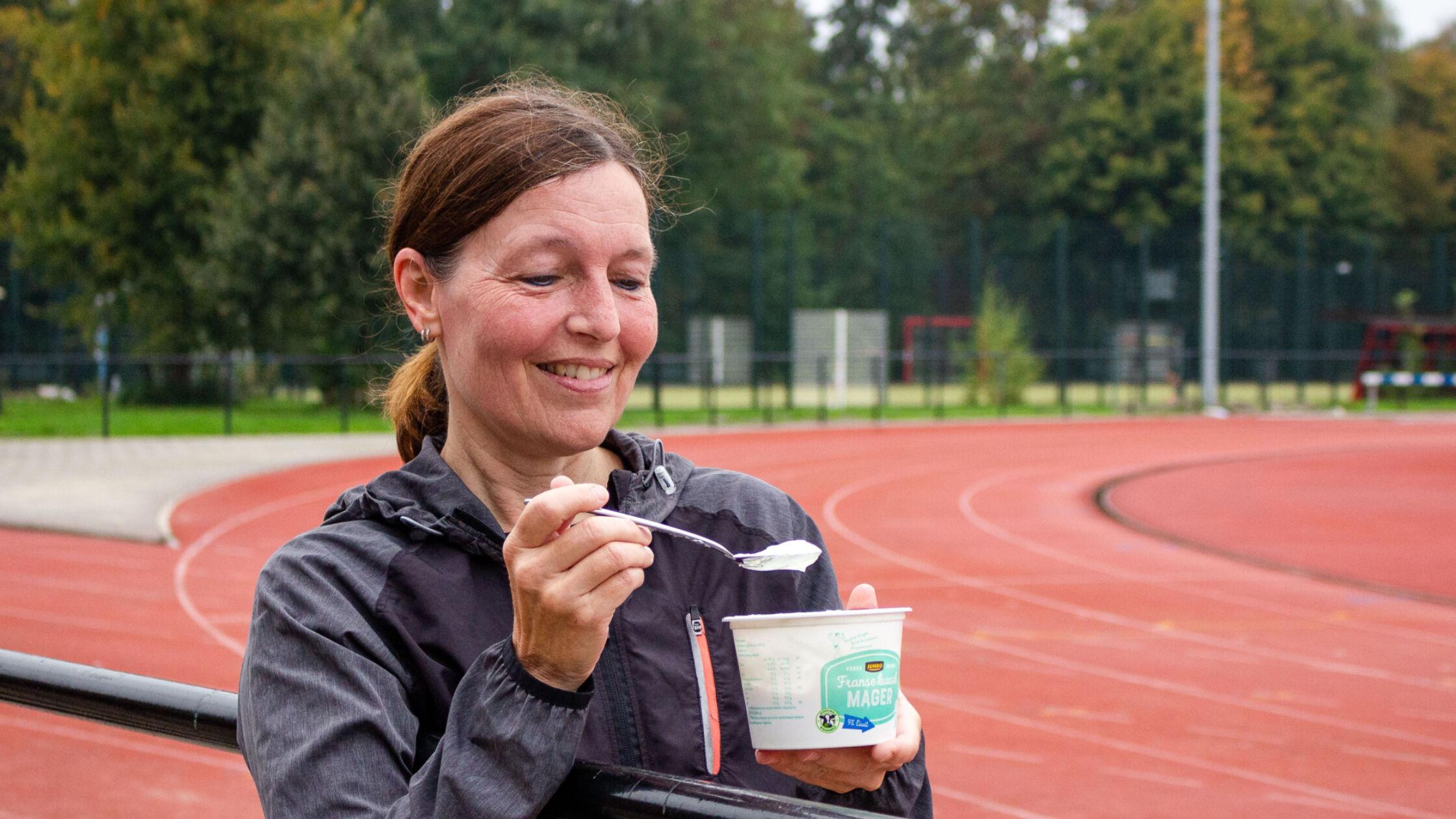 Fact check: 'Binnen een half uur na je training moet je eiwitten eten'