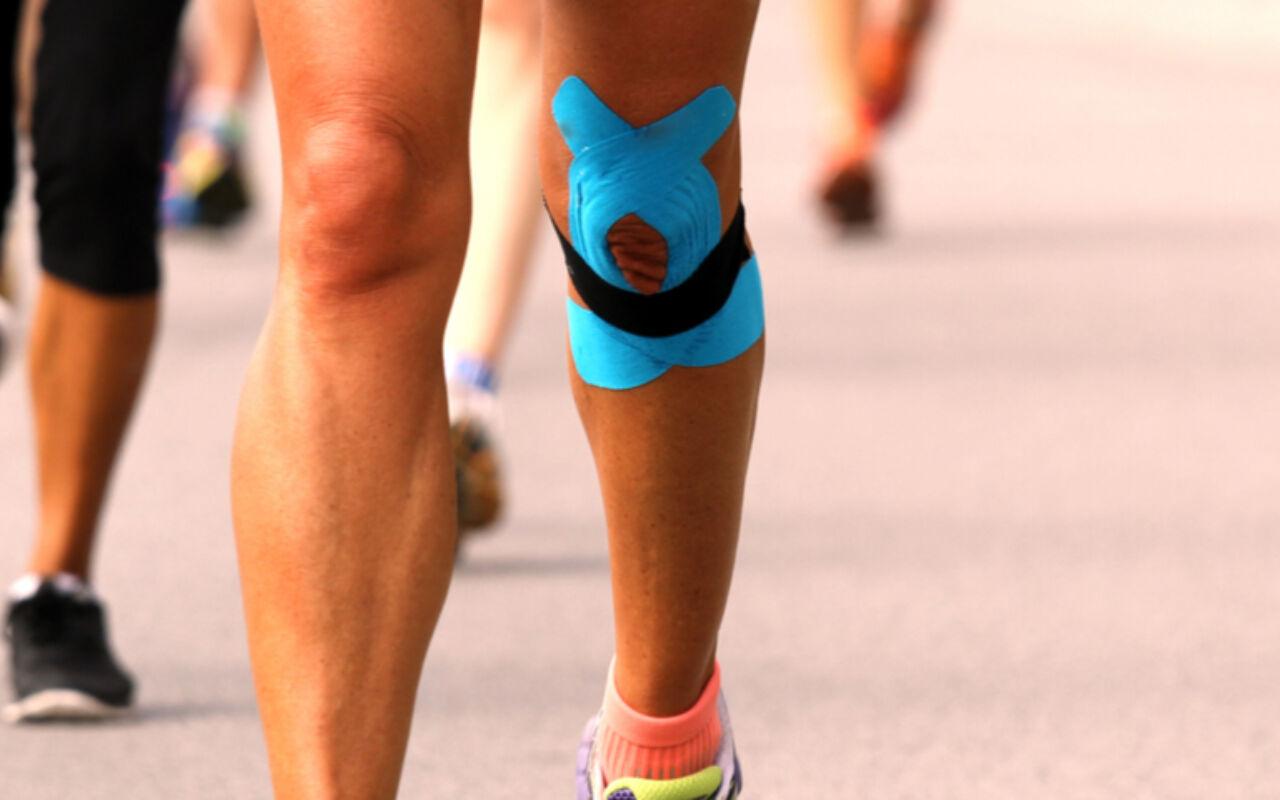 Het gebruik van tape en braces bij blessures