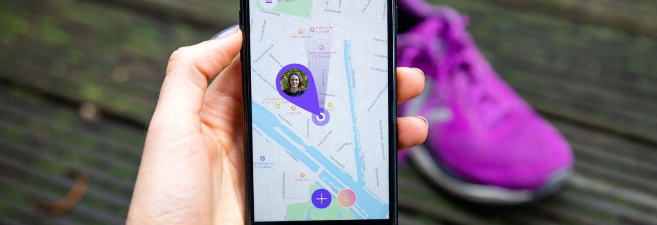 Ga nooit meer alleen op pad: deze apps houden in de gaten waar je loopt