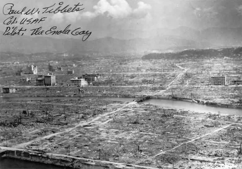 Hiroshima az 1945. augusztus 6-án ledobott atombomba robbanása után.
