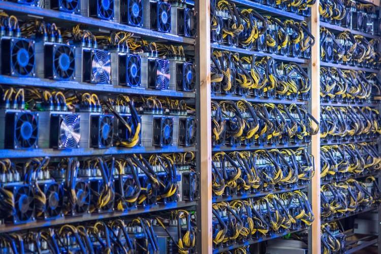 Запретный плод майнинг: в России заблокируют оборот криптовалют | Статьи |  Известия