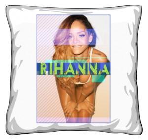 Poduszka nadrukiem Rihanna