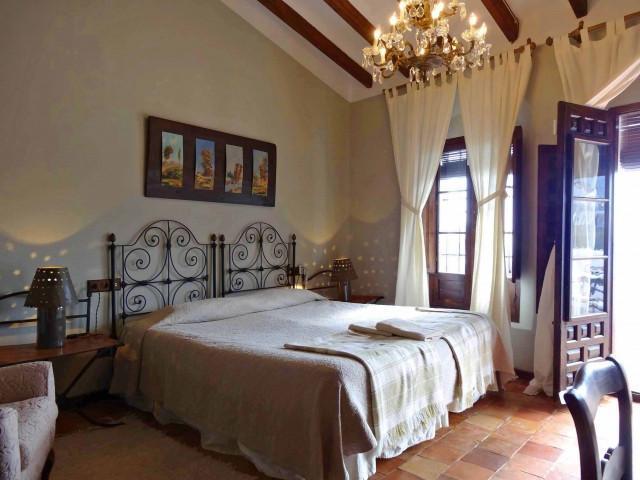 3 Bedroom Town House for Sale in Gaucin