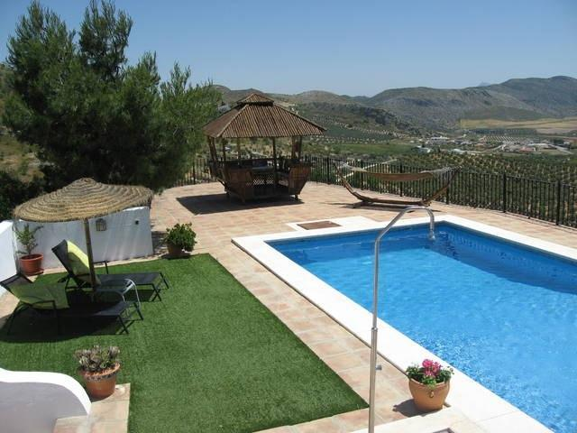 8 Bedroom Country House for Sale in Teba