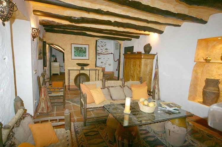 6 Bedroom Country House for Sale in Villanueva Del Rosario