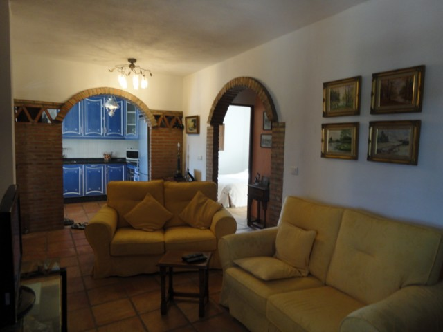 2 Bedroom Country House for Sale in Alora