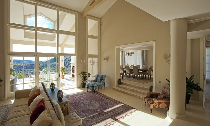 8 Bedroom Luxury Country Villa for Sale in Gaucin