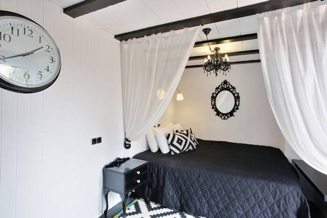 7 Bedroom Bed & Breakfast for Sale in Marbella