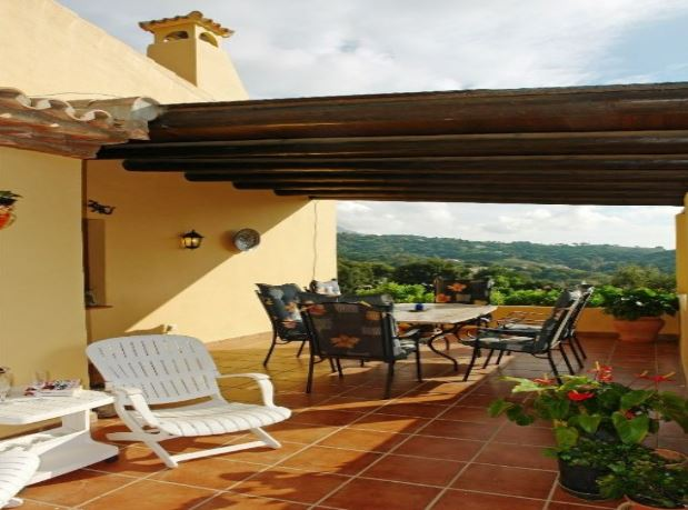 4 Bedroom Country House for Sale in Casares