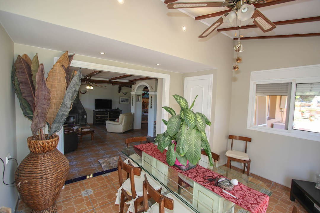 4 Bedroom Equestrian for Sale in Cartama