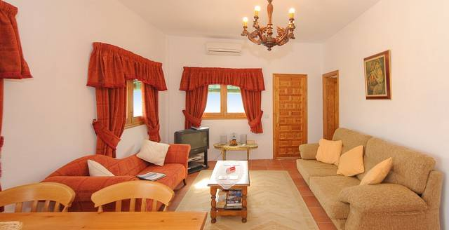 11 Bedroom Rural tourism busine for Sale in Iznajar
