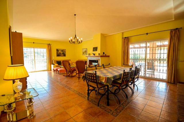 5 Bedroom Equestrian for Sale in Coin