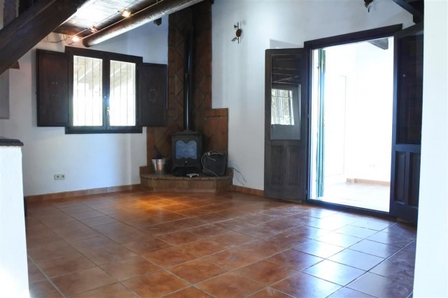 3 Bedroom Equestrian for Sale in Monda
